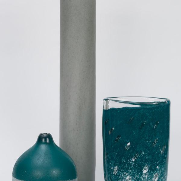 Exklusive Accessoires bei Hans G. Bock: Vasen und Teelichthalter aus der Manufaktur Henry Dean.