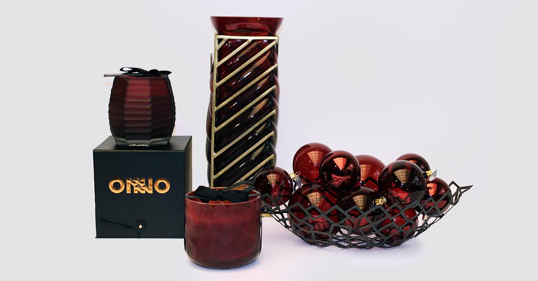 Adventskalender mit Geschenketipps: Duftkerzen von Onno, Glas-Objekt von Vanessa Mitrani, Schale von Philippi und Kugeln von Briefing gibt es bei Hans G. Bock.
